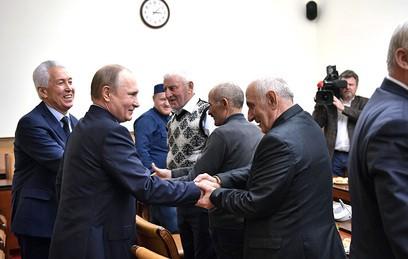 Путин потребовал навести порядок в экономике Дагестана