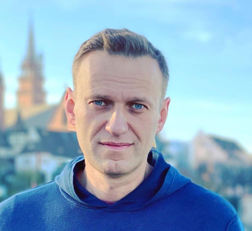 До смерти не хочется видеть власть,Навальный,Песков