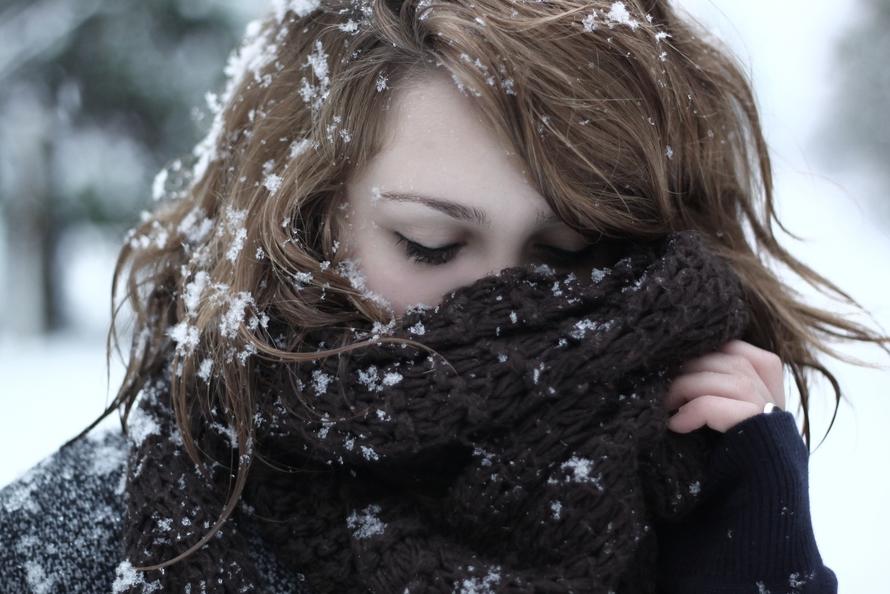Девушки фото зимой со спины шатенка — photo 11