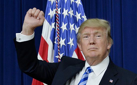 Трамп поздравил американских военных с успешной атакой на Сирию