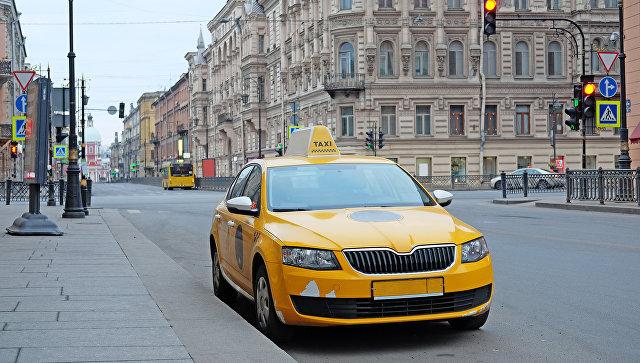 Петербургский таксист развел иностранца на 16 тысяч рублей за 20 минут пути,но тот наябедничал