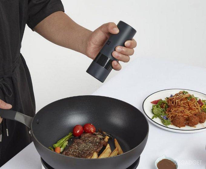 Кухонная электромельница от Xiaomi для специй и соли