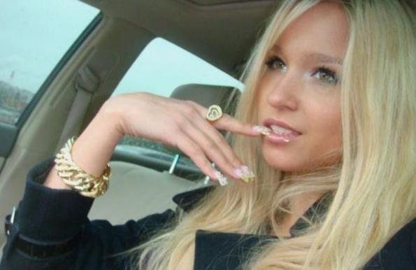 Здравствуйте, я блондинка и мне нужно срочно развернуться!