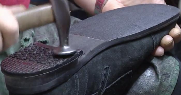 Как сделать, чтобы обувь не скользила: нехитрые способы чувствовать себя уверенно в гололед гололед,обувь,подошва,полезные советы