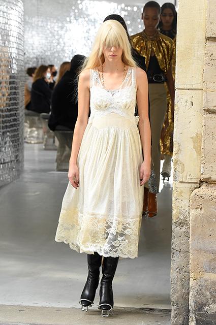 Неделя моды в Париже: Наталья Водянова на показе Paco Rabanne Новости моды