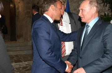 Невзоров считает, что после встречи с Путиным, Макрон «расшифровался»