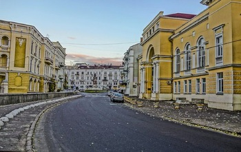 в Одессе задержали подростков 23 февраля за возложение цветов к памятнику
