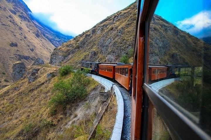 Опасная железная дорога на «Носу Дьявола»… (10 фото) путешествия