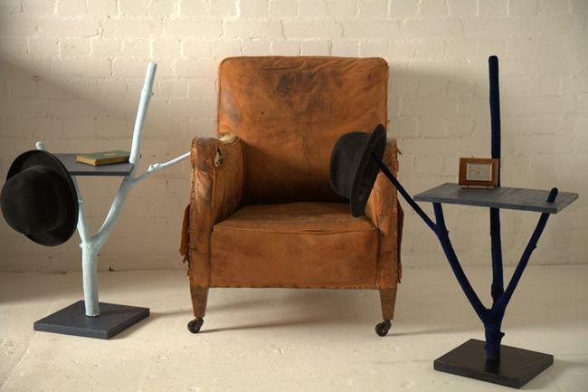 Столик с ножками из веток.