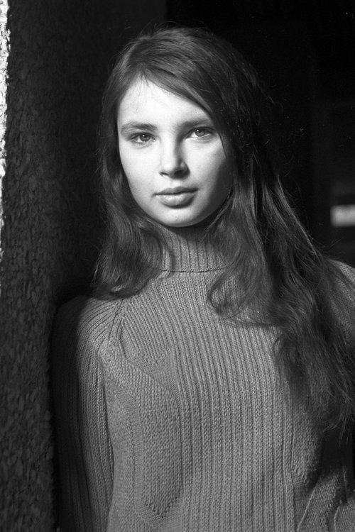 Стефания Сандрелли Танцует В Лифте Со Священником – Те Странные Случаи (1976)