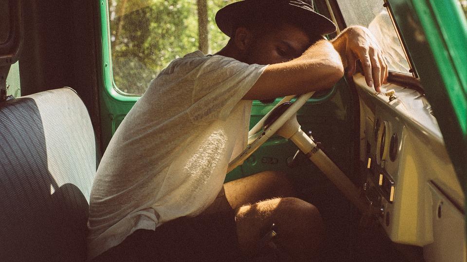 Как не уснуть за рулем: 5необычных способов