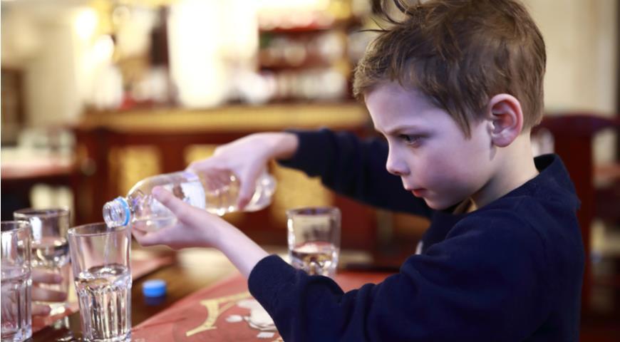 Какой водой нужно умываться, чем грозит обезвоживание и что такое эндогенная вода вода,здоровье,питьевая вода