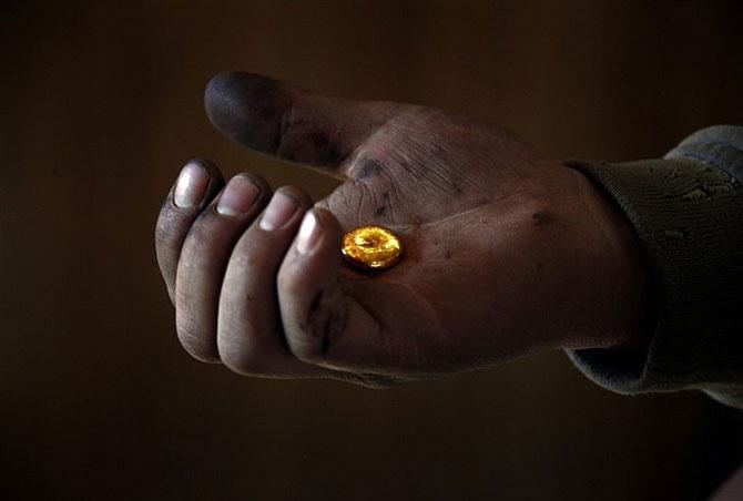 Черные копатели – как в Монголии добывают золото