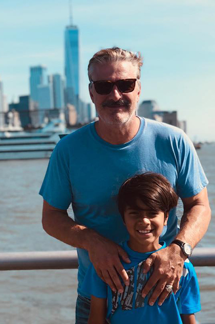 """Звезда """"Секса в большом городе"""" Крис Нот стал отцом во второй раз в 65 лет Звездные дети"""