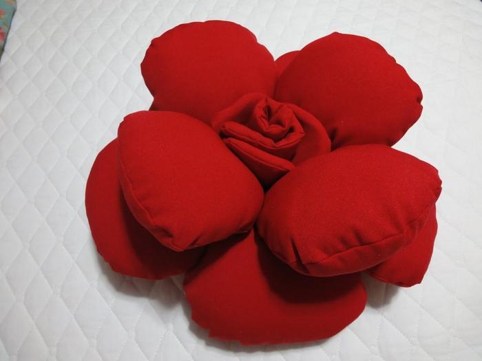 Декоративные подушки РОЗЫ