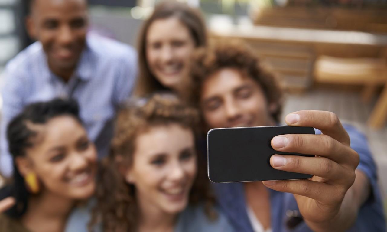 Нарциссизм на марше: почему социальные сети вредны для самооценки? нарциссизм