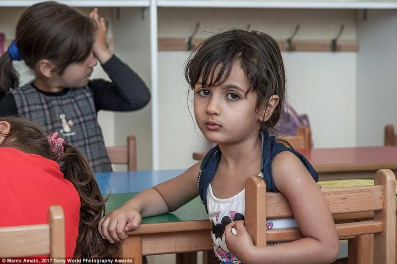 Девочка в школе, Ливан в мире, дети, жизнь