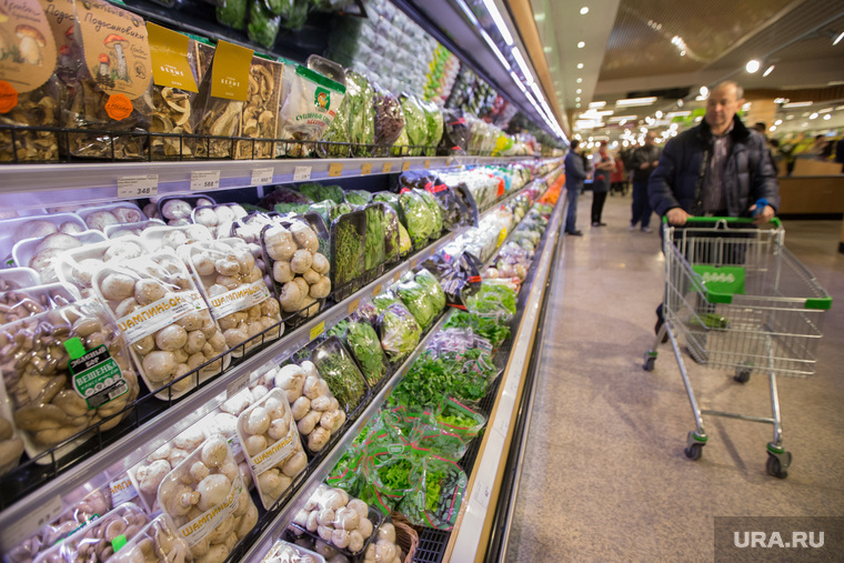 Эксперт рассказал, почему россияне покупают еду в кредит