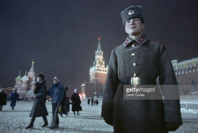 Как отмечали Новый год в СССР (16 фото)