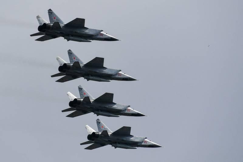 «Путин показывает российскую военную мощь» россия