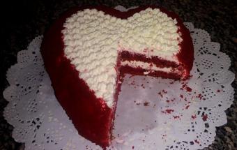 "Торт-сердце ""Красный бархат"""