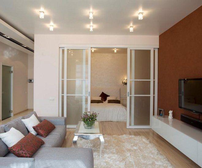 дизайн гостиной спальни стекло