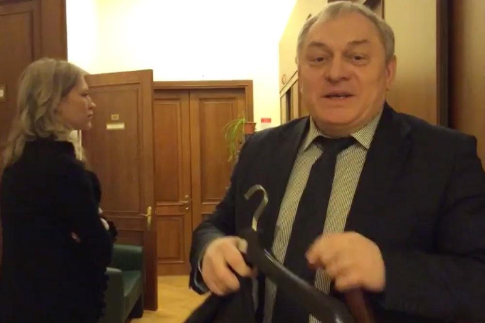 Жилинспектор подал в суд на посетительницу за размещенное в соцсетях видео