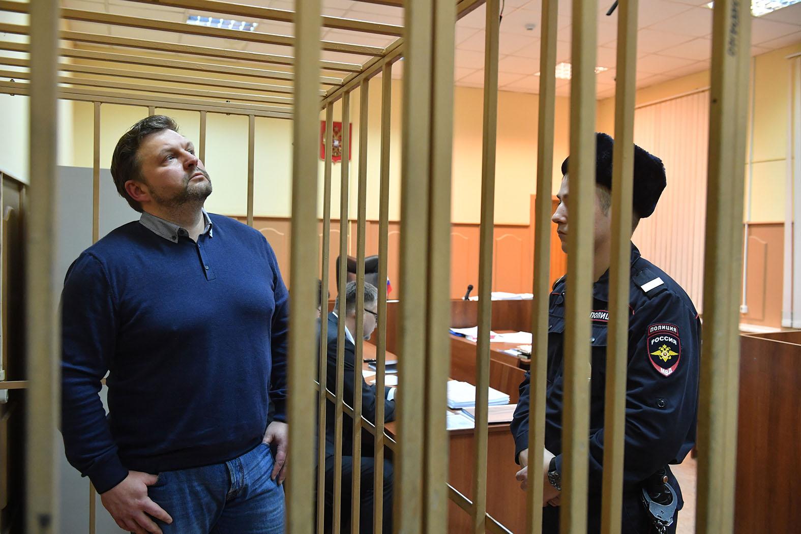 Не Фургалом единым: Умные преступники идут в чиновники россия