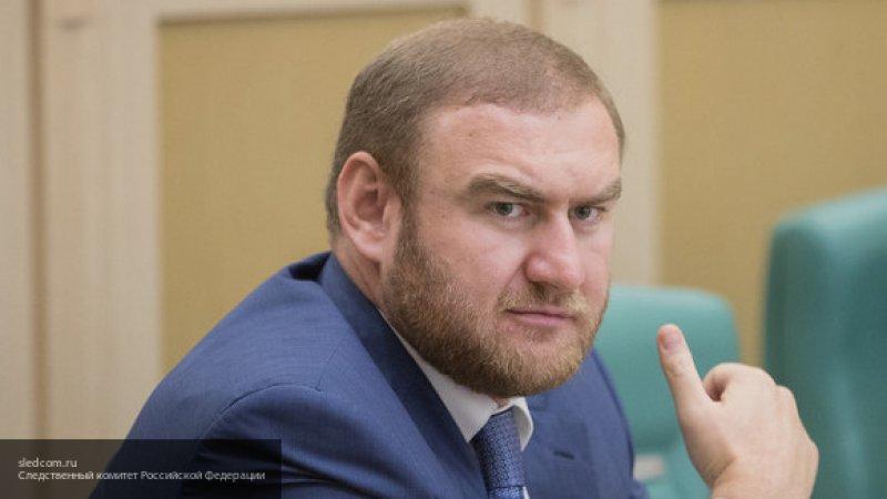 Суд арестовал сенатора Рауфа Арашукова на два месяца