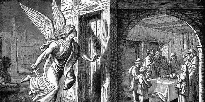 И помазаны были косяки всех еврейских домов кровью агнца, чтобы Ангел Смерти прошёл мимо.