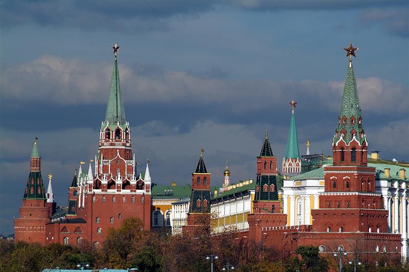 Когда и как на башнях Кремля появились звёзды