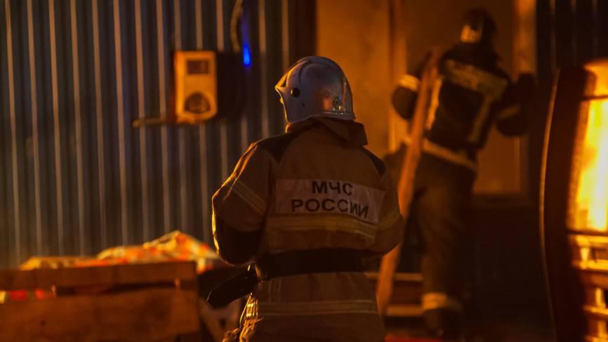 Пассажирский автобус сгорел дотла на остановке в Сыктывкаре Происшествия