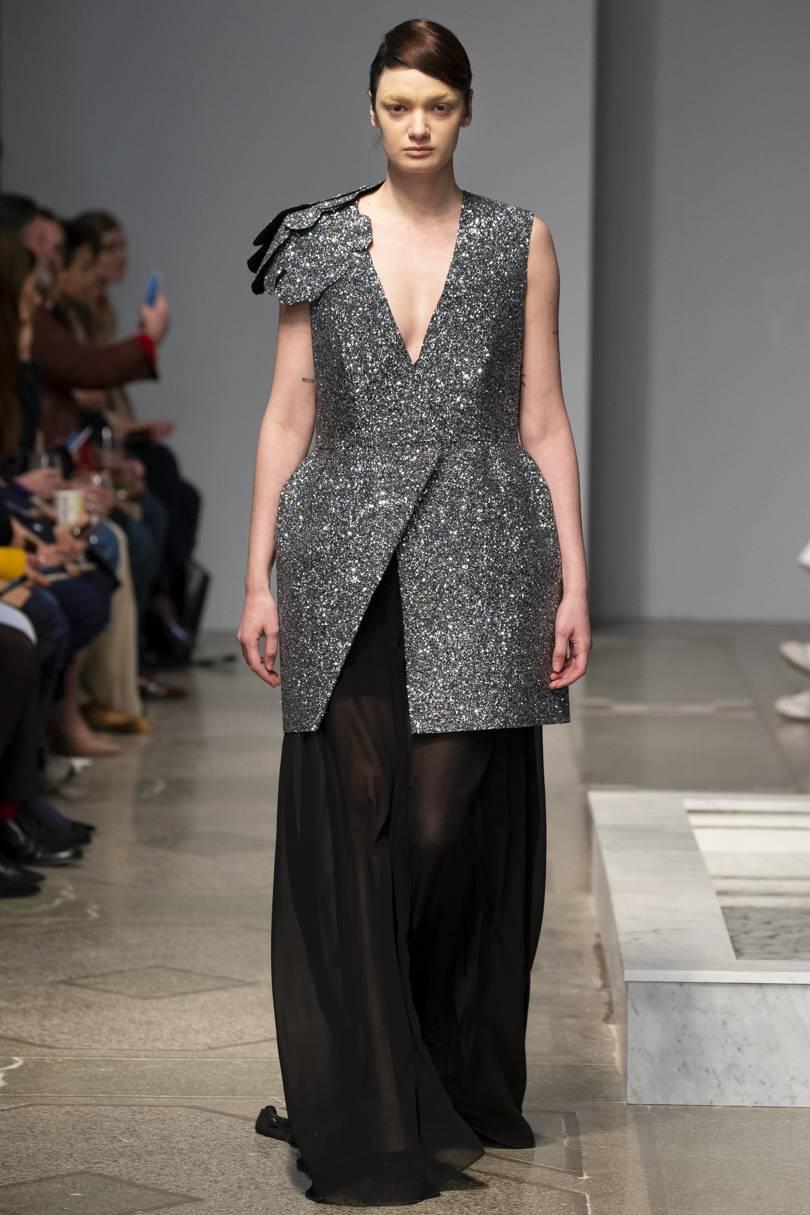 Есть, из чего выбрать -  фото модных тенденций 2019 для женщин размера плюс лучшее