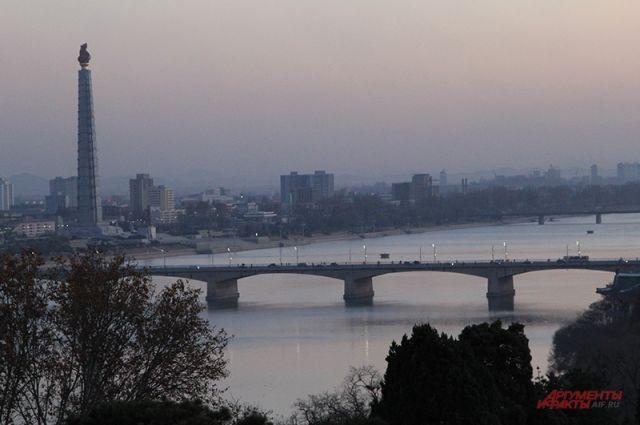 В Пхеньяне открылся участок для голосования на выборах президента РФ