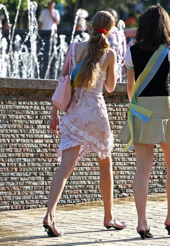 Просвечивающаяся одежда на улицах — 2