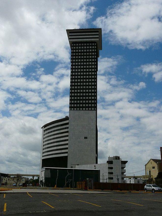 10 заброшенных небоскребов и башен мира для любителей экстрима
