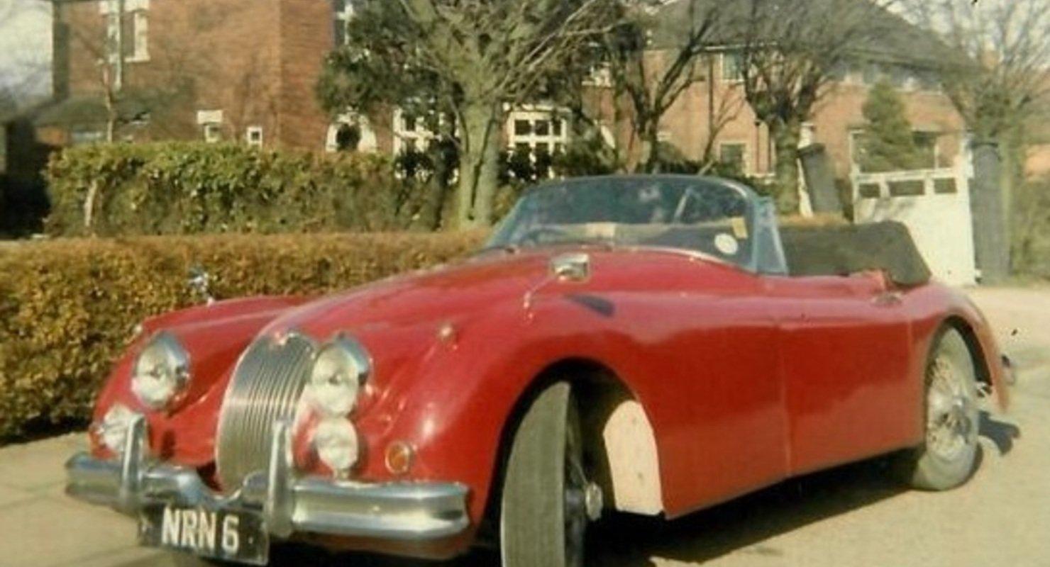 В Британии разбитый в ДТП Jaguar продали за 1 млн рублей Автомобили