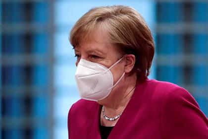 Меркель лишит полномочий глав регионов для борьбы с COVID-19