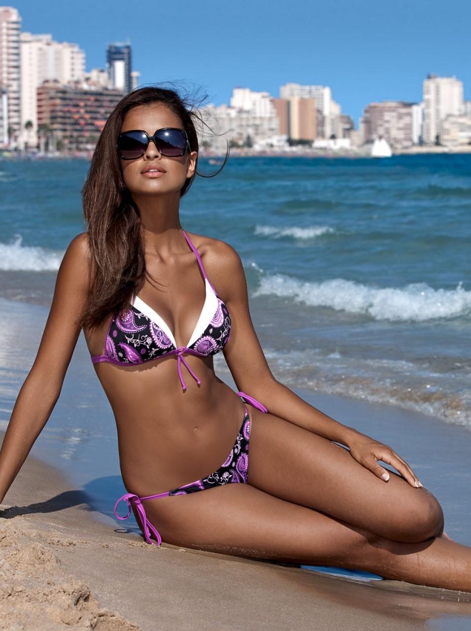 Восхитительная Клаудия Эль Дурси в фотосессии для бикини от Lorin
