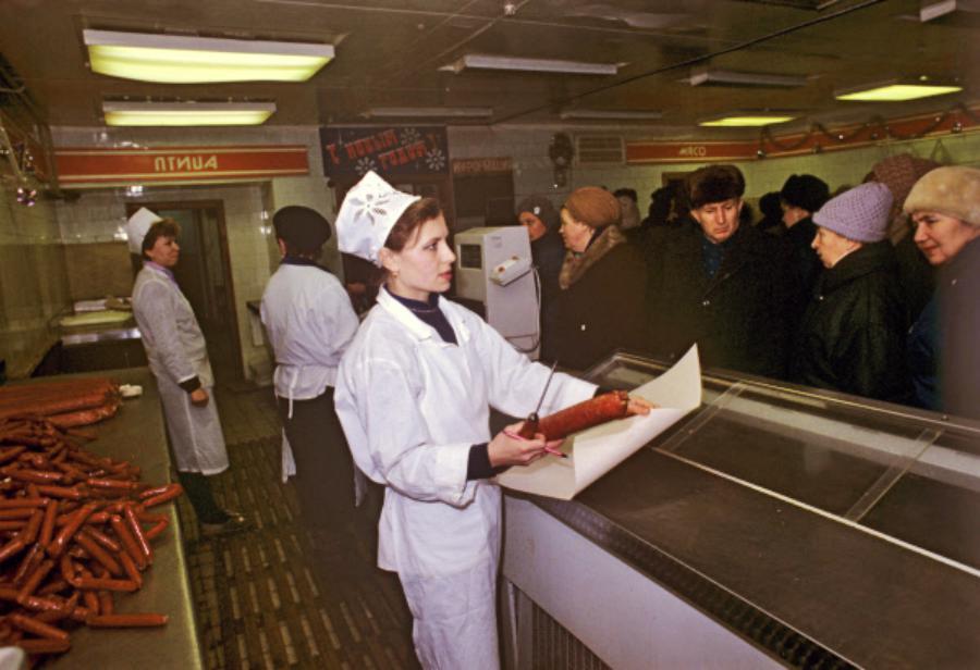 «Тащи с завода каждый гвоздь ты здесь хозяин а не гость»: Правда о воровстве в СССР.