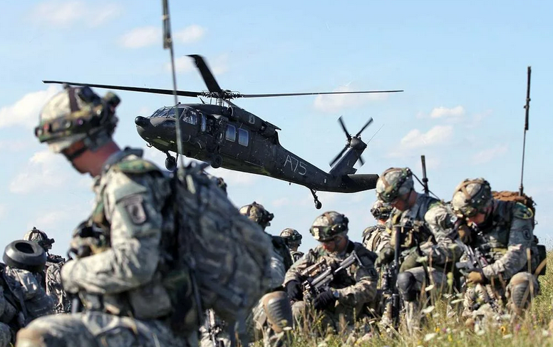 «США вынуждают Россию огрызнуться в ответ»: европейский эксперт о военных «потугах» Запада