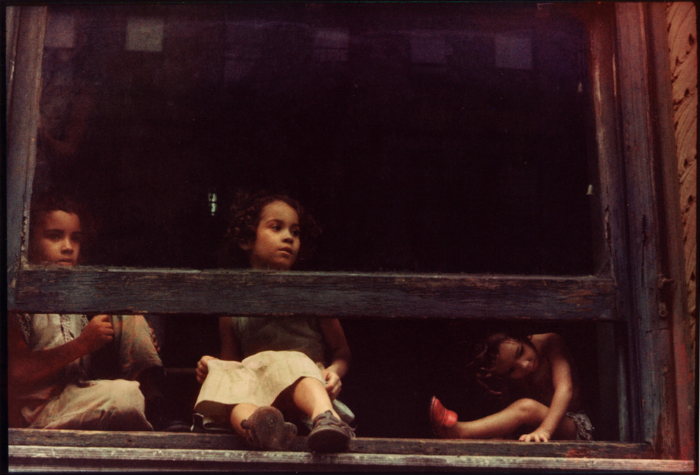 Уличная жизнь Нью-Йорка с 1930-х до 80-х годов в фотографиях Элен Левитт 7