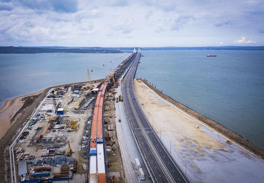 На Крымском мосту соединили все пролеты Крымский мост