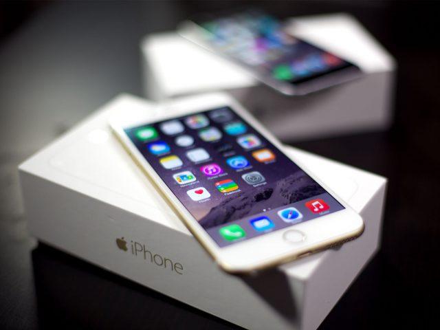 Картинки по запросу В РФ обрушились цены на iPhone