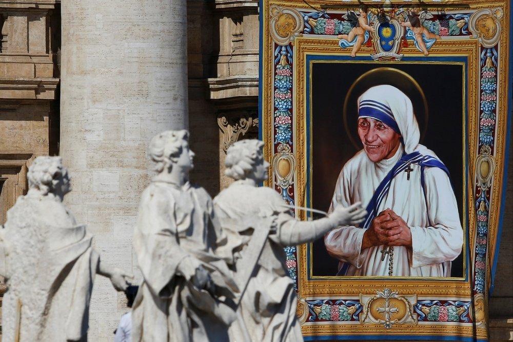 Мать Тереза — жестокая религиозная фанатичка — символ любви и христианского служения больным