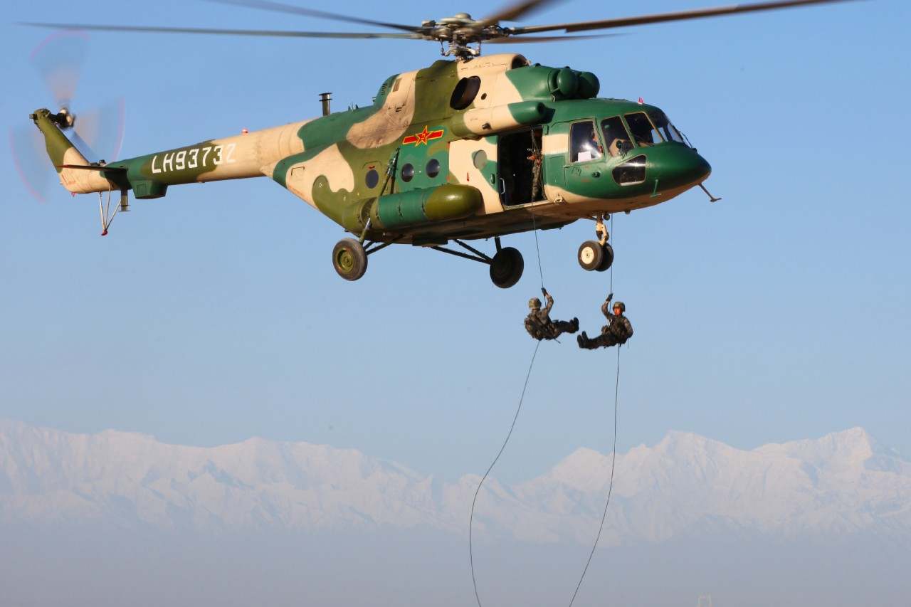 """""""Рособоронэкспорт"""" поставит в Китай четыре дополнительных вертолета Ми-171Е"""
