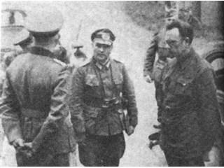 Кого выдал немцам на первом допросе генерал-предатель Власов история