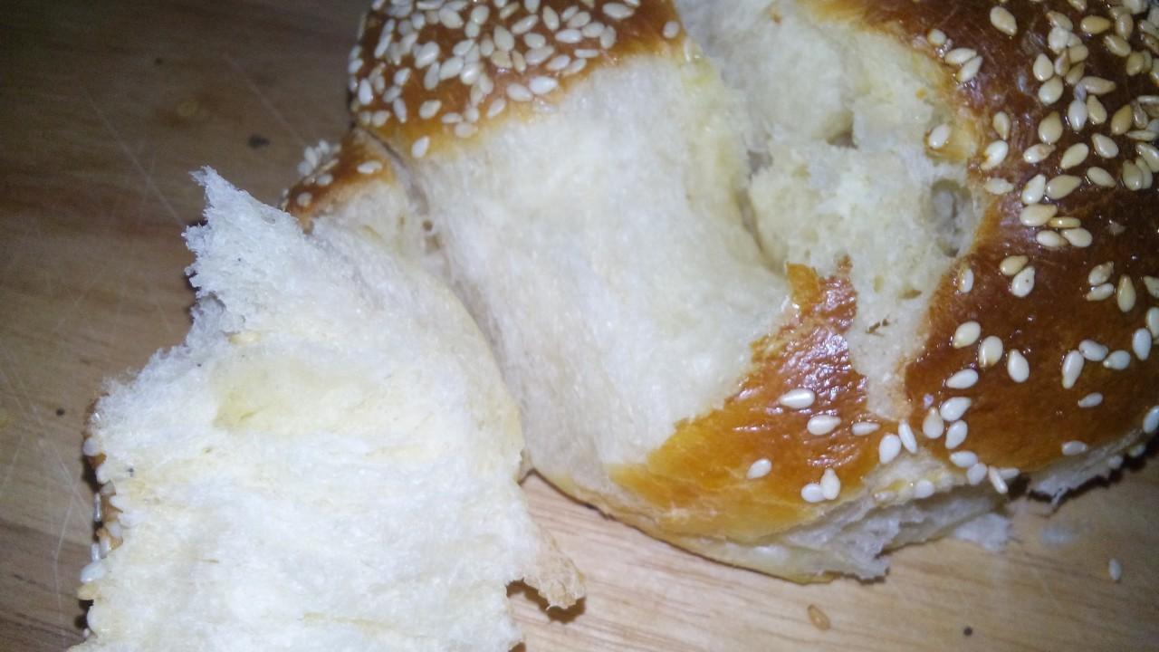 Хала, которая получится даже у начинающего хлебопека