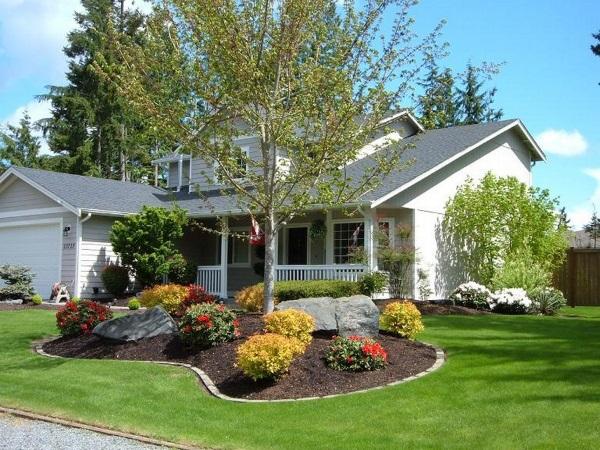 Как просто и красиво оформить дизайн двора частного дома своими руками - фото альпинария