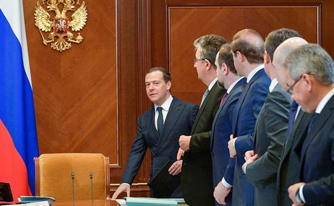 Зачем Кремлю несменяемый премьер?